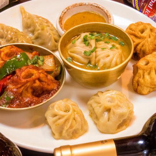 ネパール伝統の料理モモ!ネパール版餃子とでもいいましょうか♪