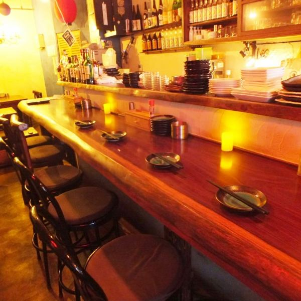 The single seat counter seat is like a dining bar! It is a relaxing adult retreat space that you want to make your own favorite but want to teach someone.【Machida Izakaya Yakitori Bar Fashionable Girls Association Birthday All-you-can-drink】