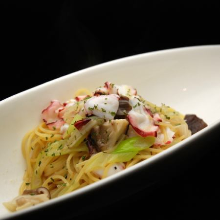 Octopus and onions and shiitake mushroom pasta