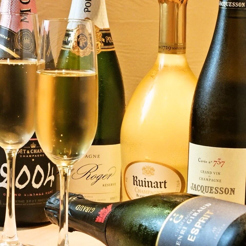 準備各種高品質的酒精如香檳◎