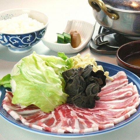 【엄선 돼지 샤브샤브 밥상]