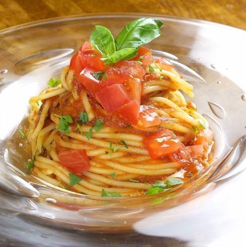 トマトとバジルのスパゲッティ