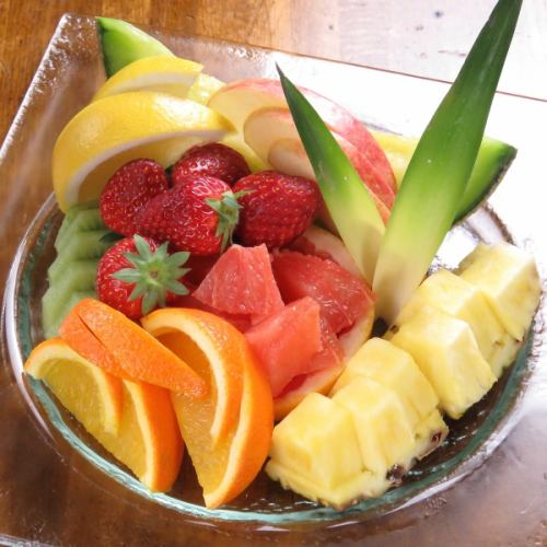 フルーツの盛り合わせ(小/大)