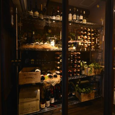 【Impact large wine cellar】 A large wine cellar on the left side of the entrance.We have carefully selected wines from all over the world.We have more than 40 kinds of bottled wine, so you will surely find your favorite.【Ueno / Okachimachi / Wine / Meat / Private Room / French / Japanese Sake / Oyster / Charter / Girls Association / Gongcon / Date / Lunch】