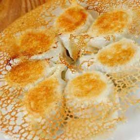 【Our boast】 Boil pop out Caution! Dalian grilled dumplings with crisp crab wings 630 yen