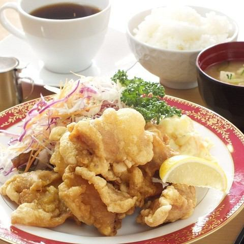 For a great lunch, please select your favorite menu from «Western lunch» «Japanese set menu»