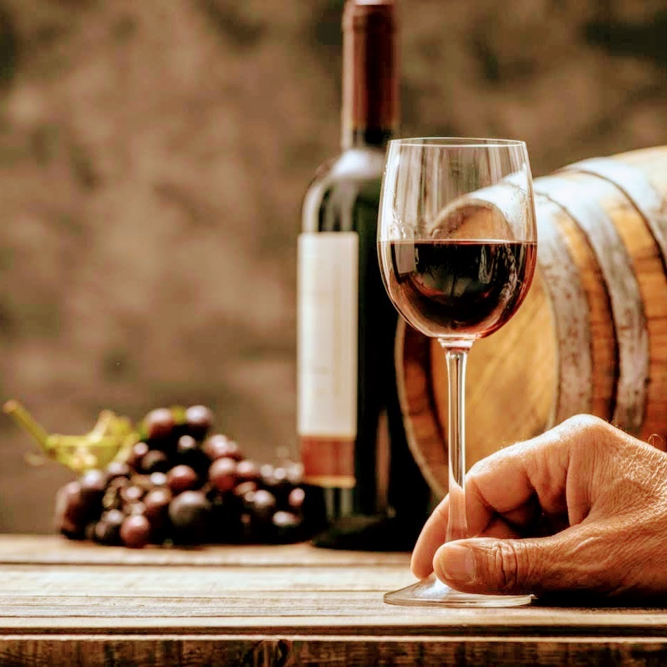 【各種充実のワイン・世界のブドウで味わえる】ワインは熟成されたプレミアムドリンクです!ボトルあり★