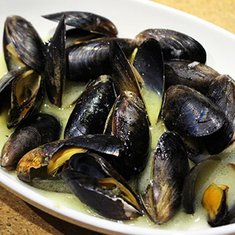 Steamer Recommended mussels white wine steamed
