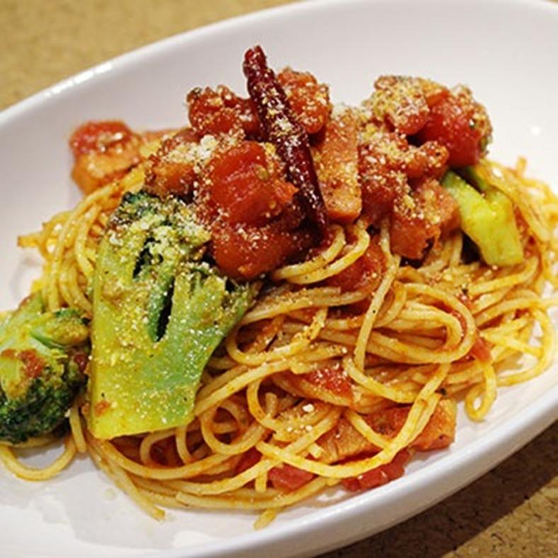 Bacon and broccoli tomato sauce