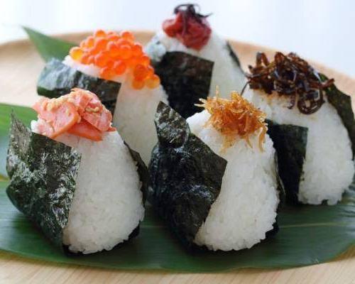 おむすび(塩・鮭・梅) 各1ケ/ 焼きおむすび(青しそ入り) 1ヶ