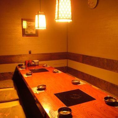【10名様用座敷個室は問い合わせNO.1】落ち着いた雰囲気がご好評を頂いてます♪周りを気にせず寛いで頂けます。個室最大宴会人数は50名様まで!京橋駅から徒歩 1分の好立地で、佐渡の郷土料理と新潟の地酒が楽しめる居酒屋」『土風炉』で、皆様のお越しをお待ちしております。