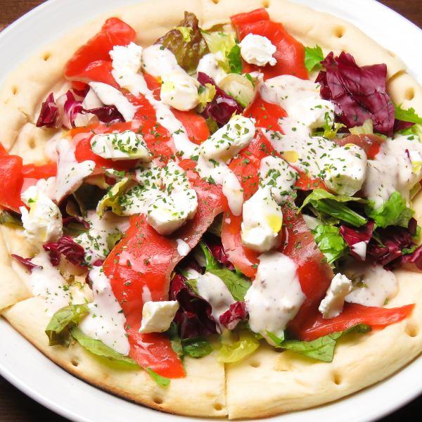 【Bruschetta pizza】 Smoked salmon and cream cheese
