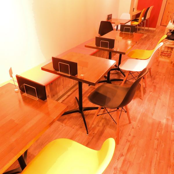 카페 즈카 캐주얼 식사를 즐기는 장소, 결혼식 2 차 회의 Party 회장 등 다양한 용도로 이용할 수있는 공간입니다 ☆