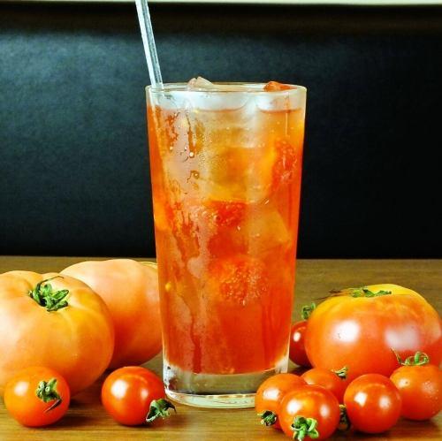 沖縄の風薫る塩トマトサワー