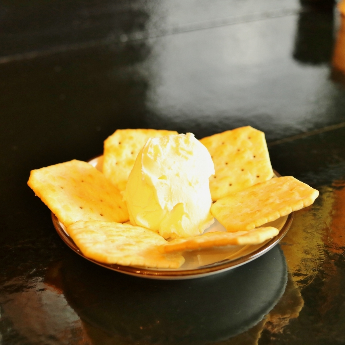 Zao cheese (with crackers)