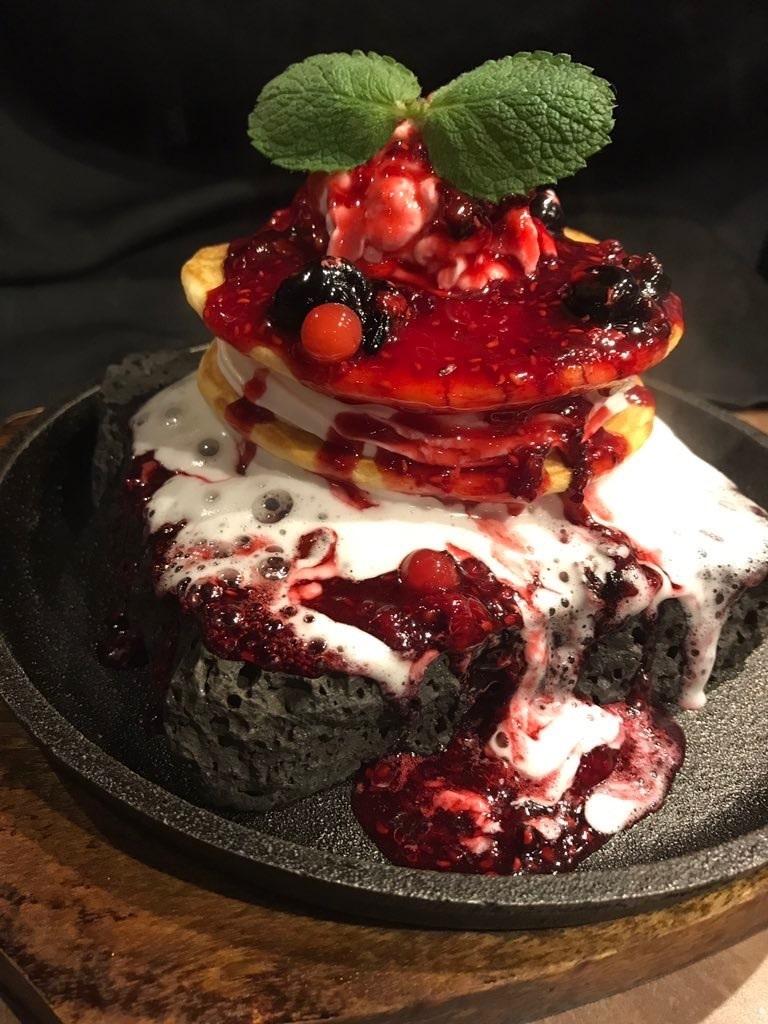 溶岩ベリーパンケーキ