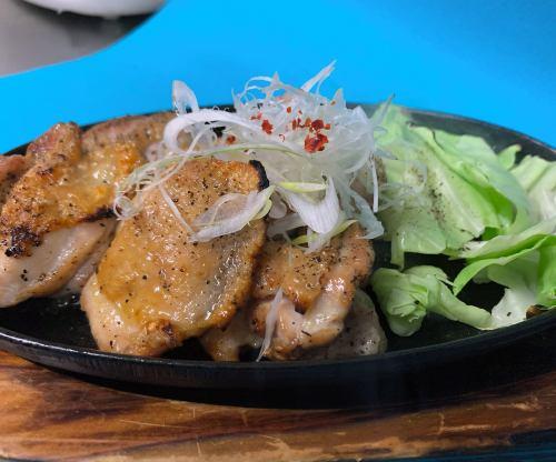 【中札内】地鶏鉄板ゴロゴロ焼き