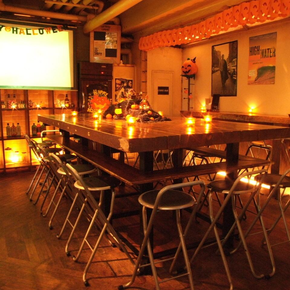 Private private party drinks 2500 yen (excluding tax) 25 people ~ DJ booth & projector