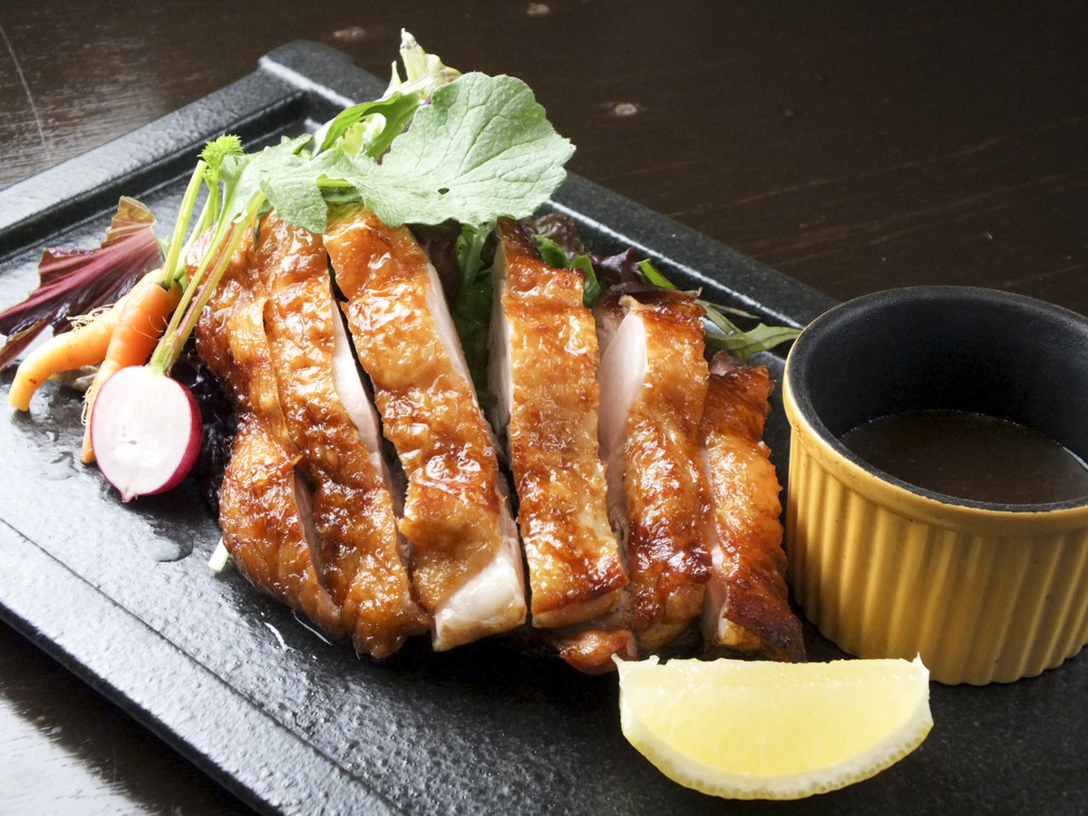 Grilled young chicken skin
