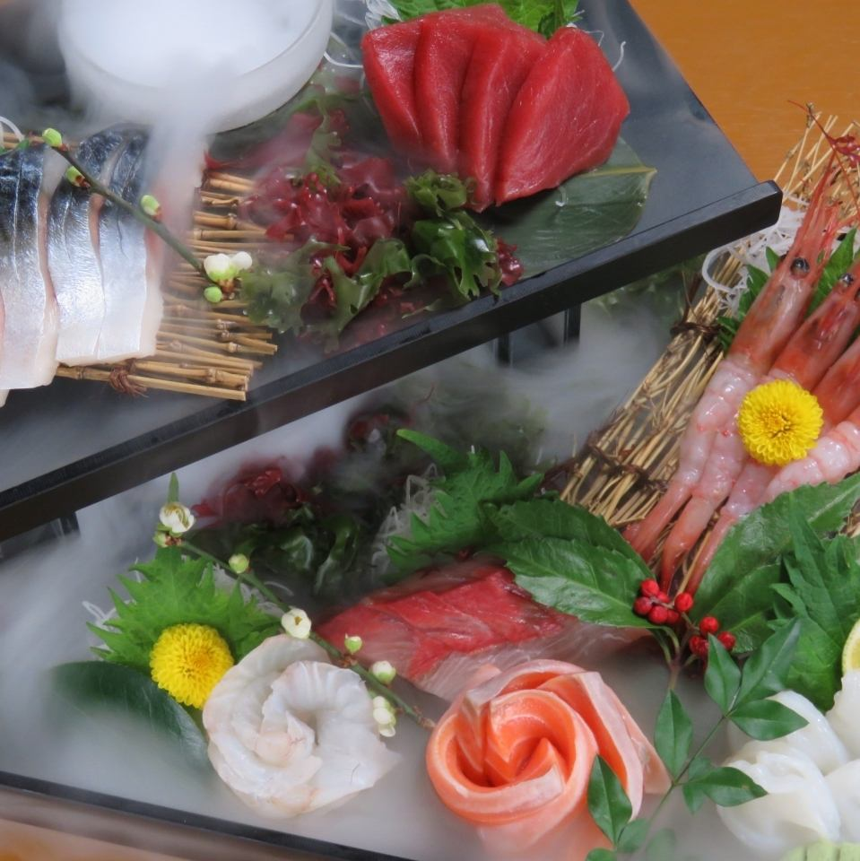 Fresh fish and craftsmen's skill, which is excellent in freshness purchased from all over the country, makes gastronomy