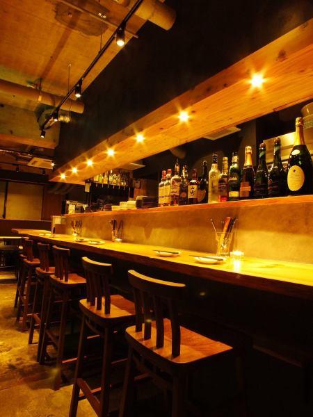 柜台座位,一边享受店员的Kominyukeshon已成为开放式的厨房,你可以享受你的食物和饮料!还有通过各种手段♪情侣表,甚至在家里的气氛,因为一个人★