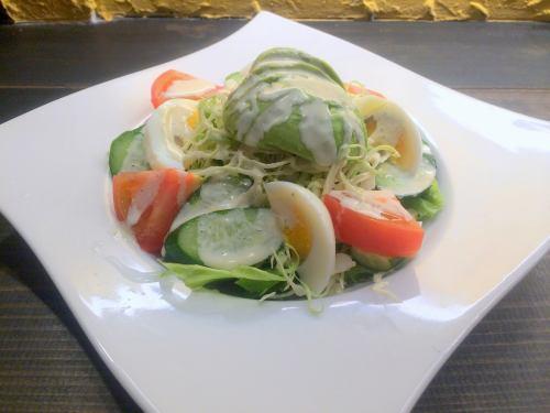 [ENSALADA DE PALTA] アボカドと野菜サラダ