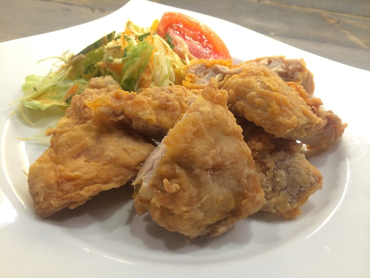 [POLLO BROASTER] Deep-fried chicken seasoned with spices in Peru