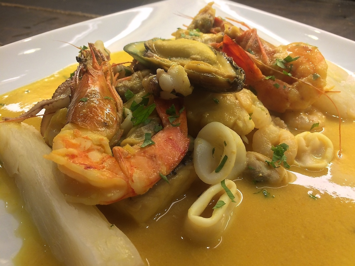 [AJI DE MARISCOS] Seafood simmered with cream sauce