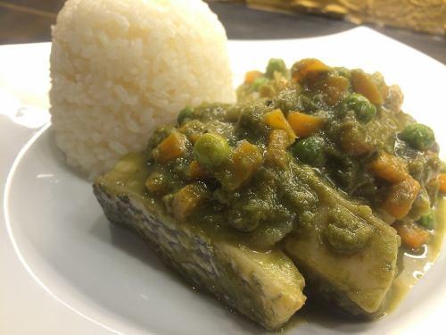 [SECO DE PESCADO] コリアンダーソースで煮込んだ白身魚