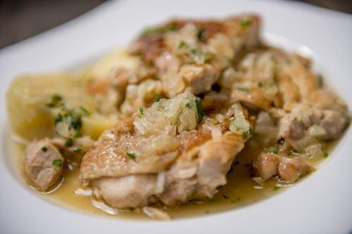 [POLLO A LA NORTENA] チキンとハーブの煮込み