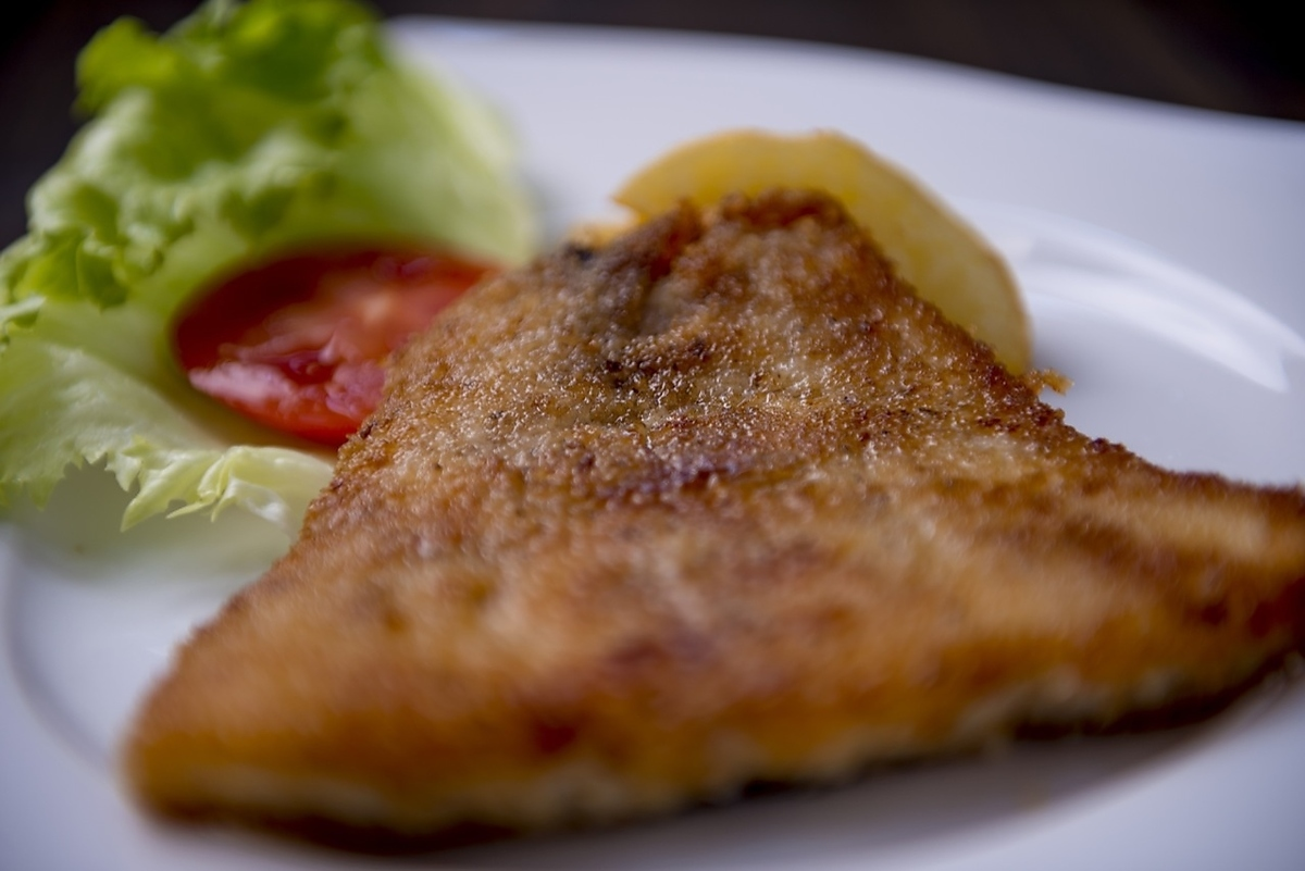 [PESCADO APANADO] Fish cutlet