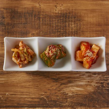3 types of Kimchi Assortment ~ Chinese cabbage · Japanese radish · cucumber ~
