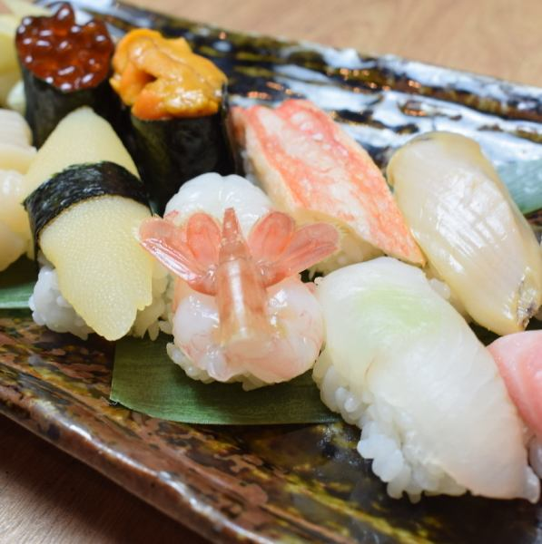 【Kitae Sushi grasping 10 thru 3700 yen】 The story is big, the sharp is plump, it is a handful sushi grasped by craftsmanship.