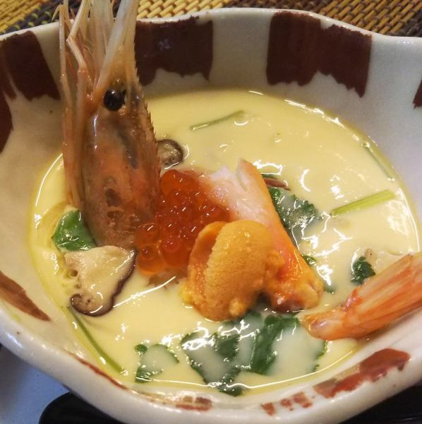 【Special Seafood Chawanmushi 1,000 yen】 A superb item with luxury, sea and sweet crabs on luxury!