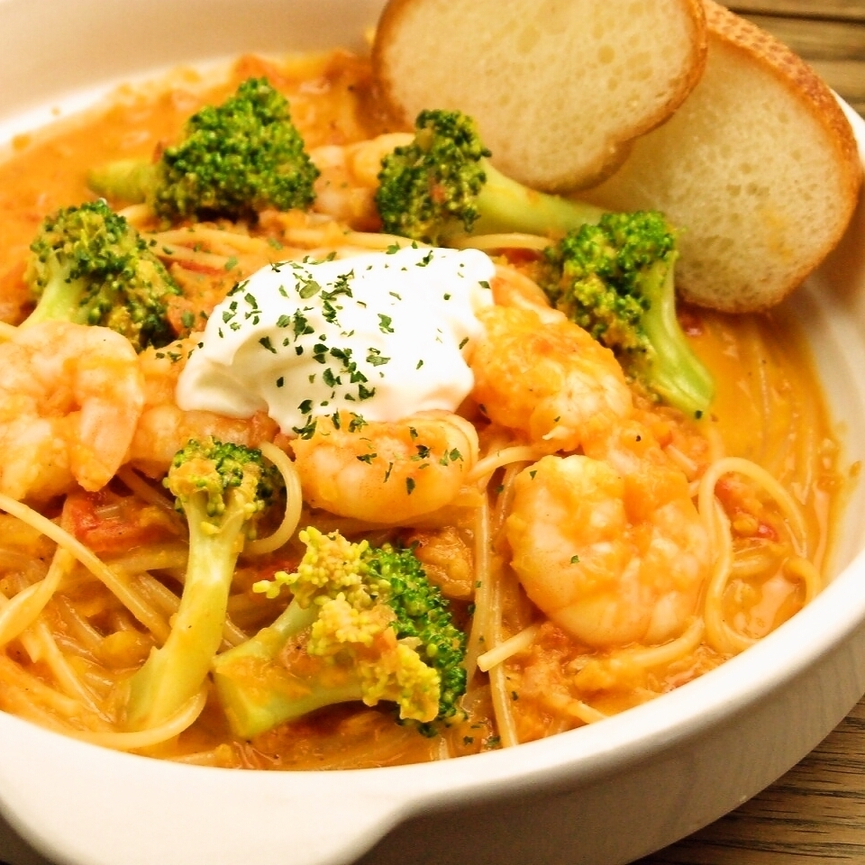 Shrimp and broccoli with tomato cream pasta