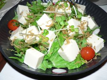 雅科和豆腐沙拉