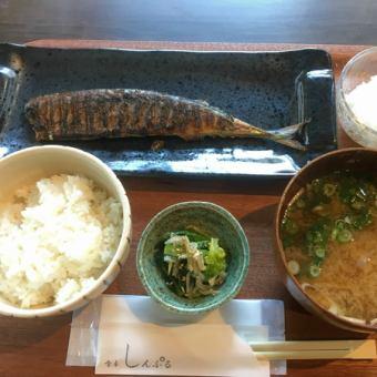秋刀魚ワサビ漬け焼定食
