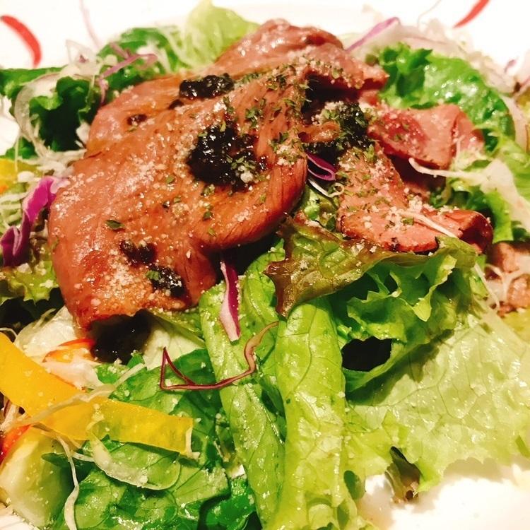 牛肉の炙りの昆布ドレッシングサラダ