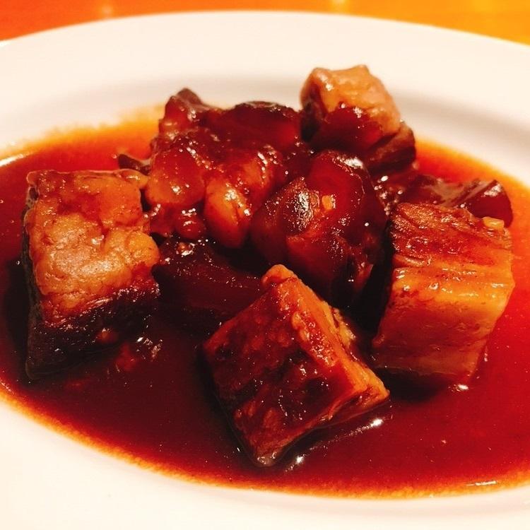 牛バラ肉とアキレスの赤ワイン煮込み