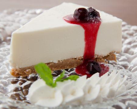 レアチーズケーキ ~ベリーソース~