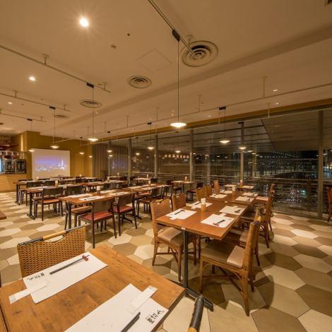 也可在[東京站步行2分鐘]讓70人以最大的晚餐☆當然自助格式130人章程的。此外,箱座四到六人座的(半包房)也可提供。你的晚餐也請隨時在小喜用請!宴會套餐,可從3900日元與所有你可以喝!自助宴席留給我們的店!
