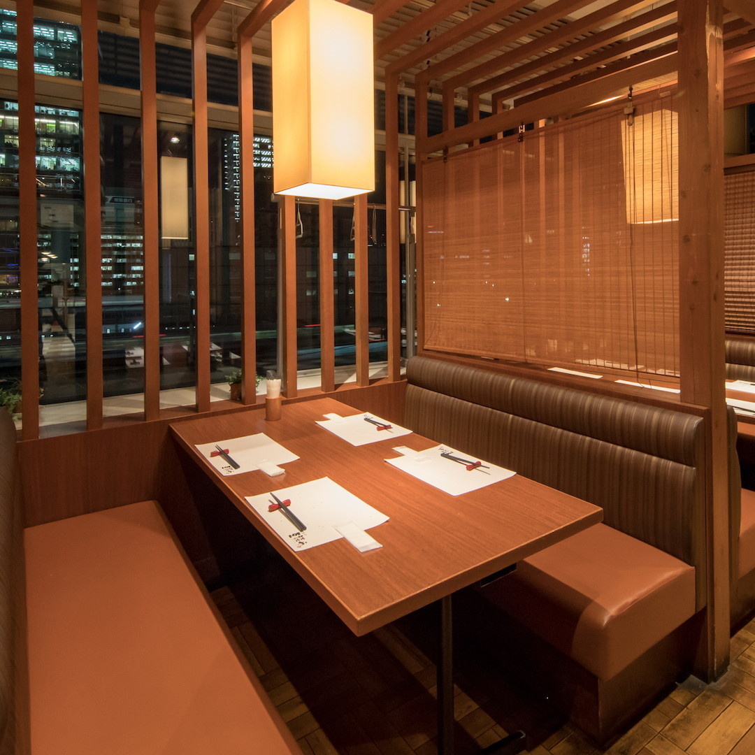 It is a seat where you can sit up to 4 people ☆ It is perfect for banquets and family meals in small groups! Spacious seats enjoy the cuisine slowly ☆ There is preparation to dessert So enjoy ♪ with full course ♪