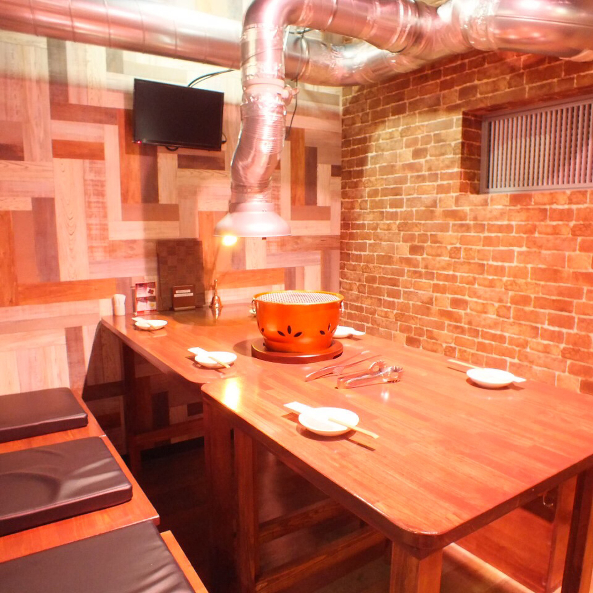 Dinner with family and friends ♪ delicious Kuroge Wagyu beef yakiniku ♪ In the settled store you have visited customers of a wide range of generations! 【Table seat 6】