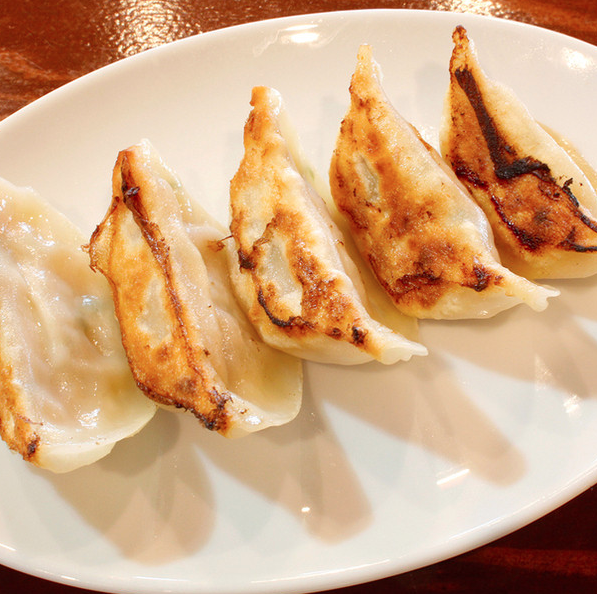 Grilled gyoza (5 pieces)