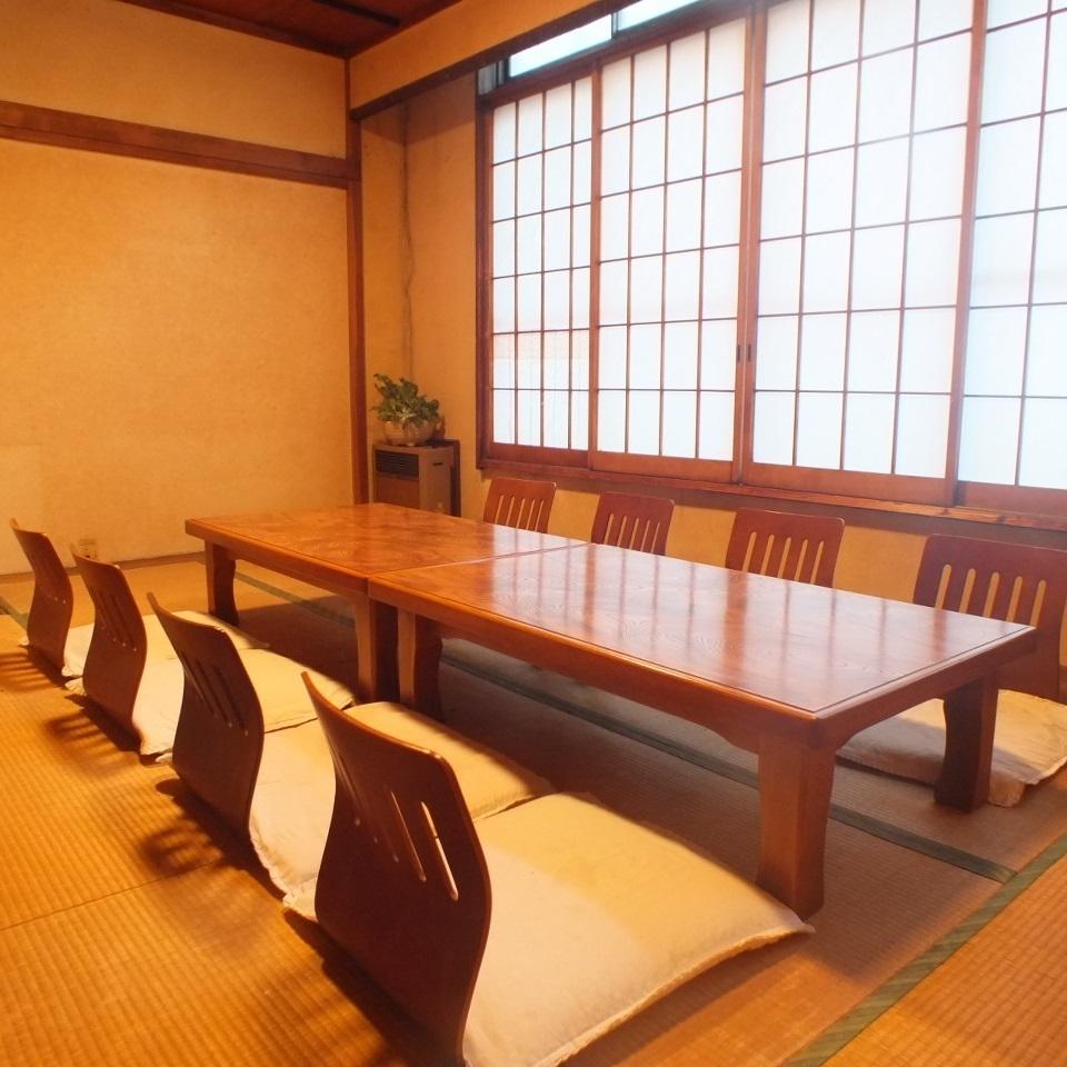 公寓宴会和校友会可以使用二楼的私人房间,可容纳6人至10人。将接受有关人数和使用情况等的咨询。
