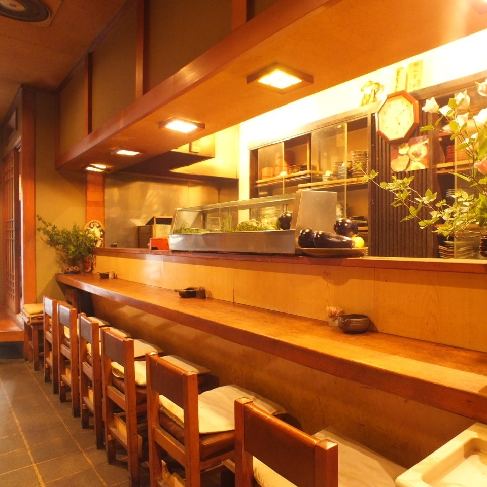 State of cooking by the master · Counter seat of our pride that we can eat while listening to cooking preference.Even if you visit us by yourself, you can use it without rest.