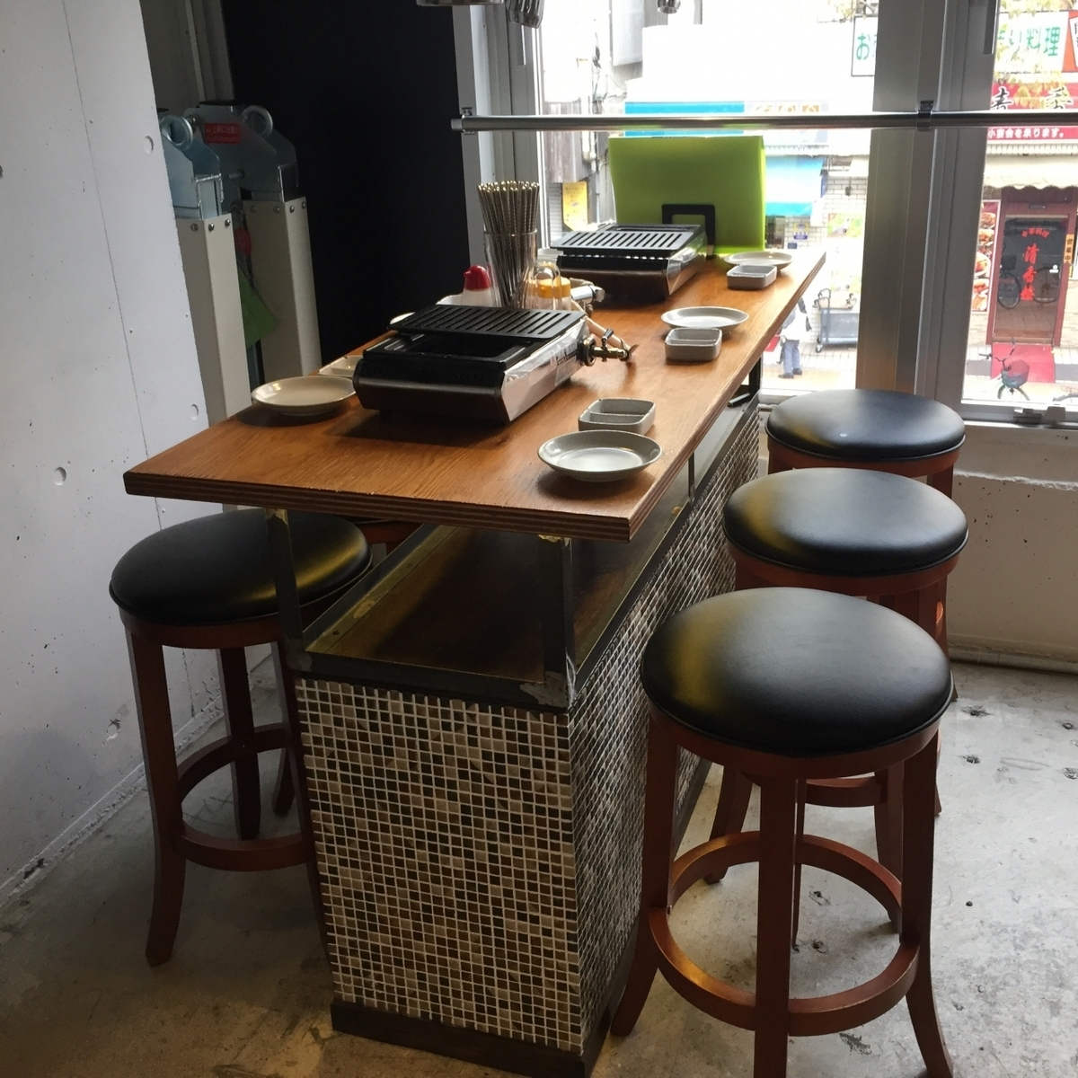 【2F】 6 people High chair table seat