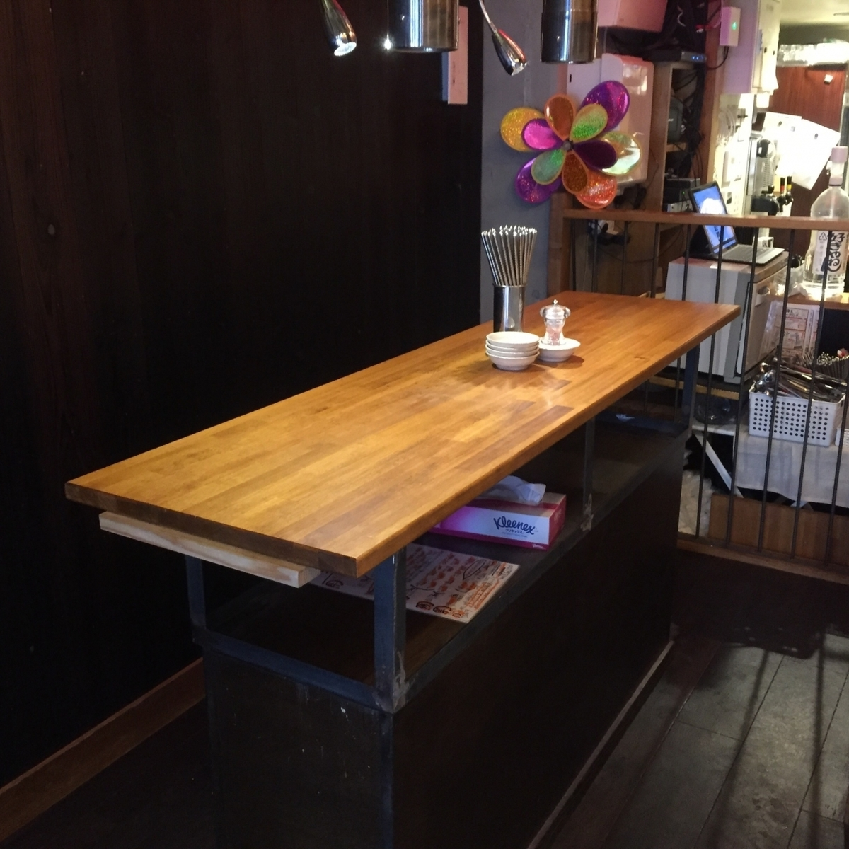 【1F】 standing drinking table lively ♪ near the entrance