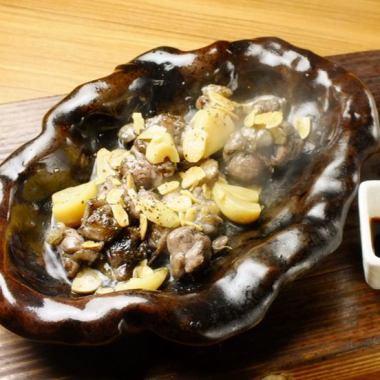 撒丁岛品尝酱黑色烤大蒜
