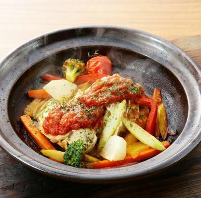 Promethean chicken (tomato sauce / pak chi sauce)